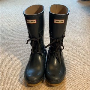 Blue Hunter Ackley boot (Size 8)